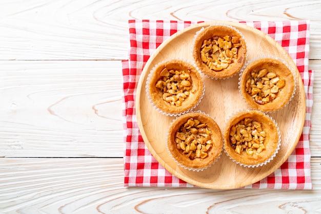 Жареный пирог с орехами кешью