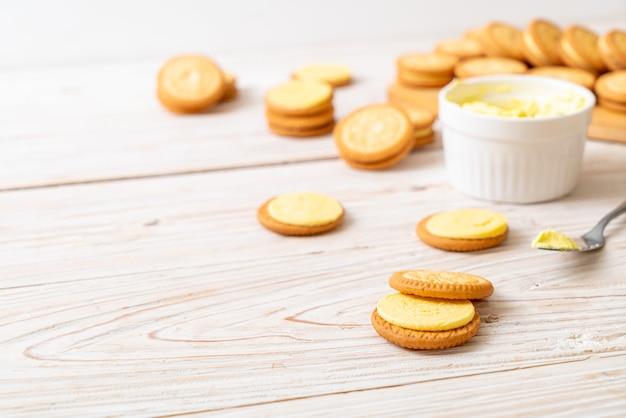 Печенье с масляным кремом