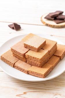 チョコレートクリームとチョコレートのウェーハ