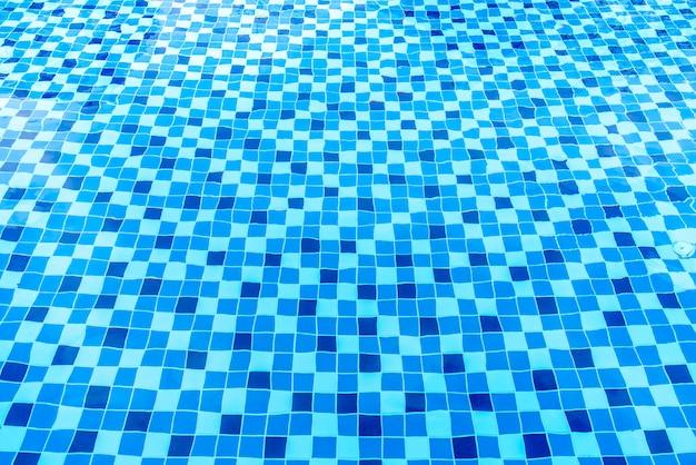 Поверхность бассейна
