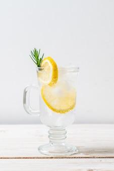 Ледяной лимонад сода