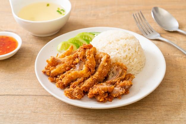 Рис по-хайнаньски с жареной курицей