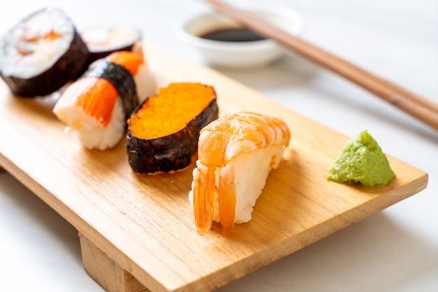 Набор смешанных суши