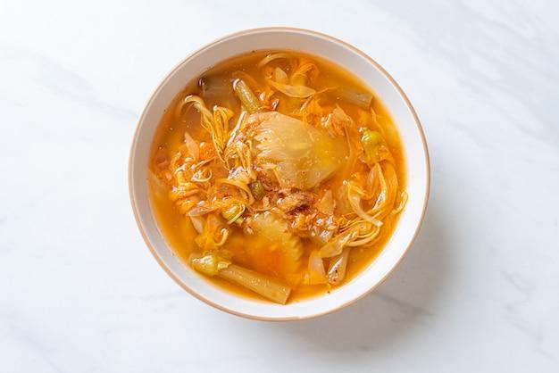 混合野菜の酸っぱいスープ、タイ料理スタイル