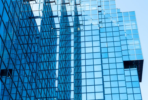 超高層ビルの窓