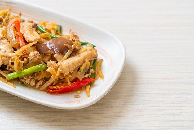 鶏肉の生姜焼き