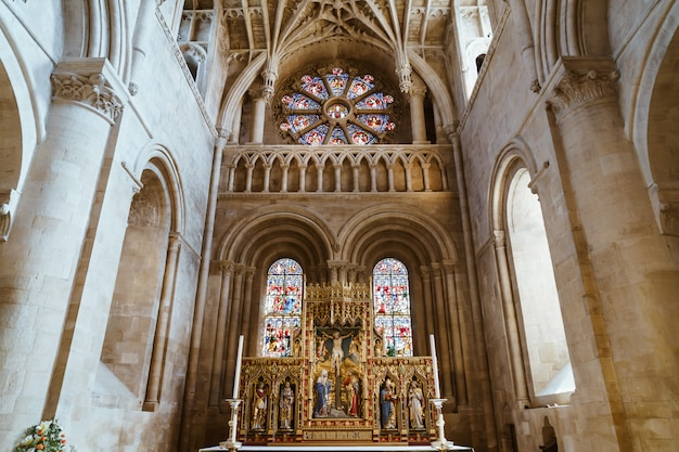 聖母マリア教会の内部。それはオックスフォードの教区教会と中心部で最大です