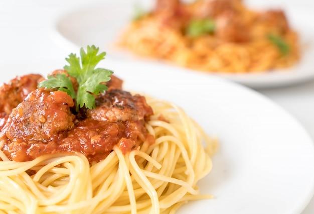 スパゲッティとミートボール