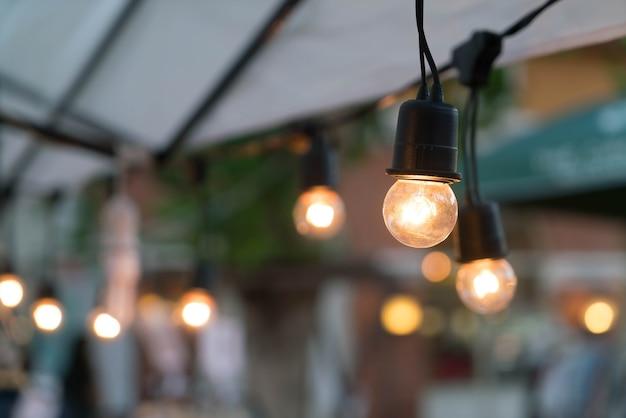 ライトランプの装飾的な輝き