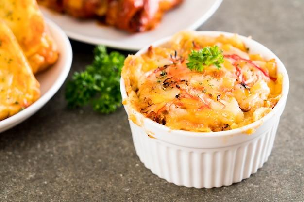 Макароны, запеченные с сыром и крабовой палочкой