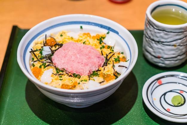 生魚のマグロ肉
