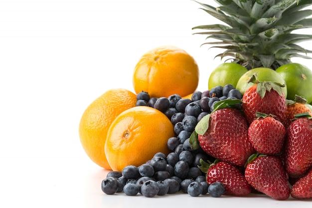 Смешать фрукты