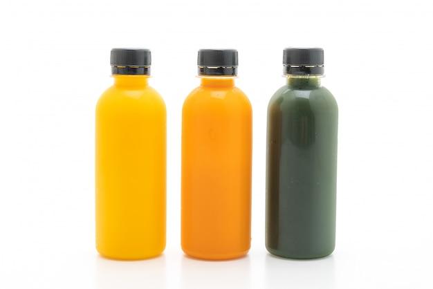果物と野菜のジュースボトル(健康ドリンク)
