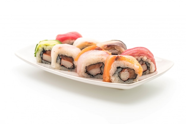 Смешанный суши ролл - японская кухня