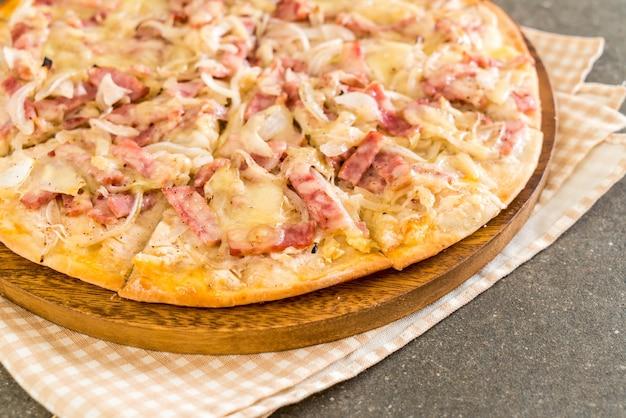 タルトフランベピザ