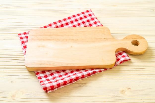 台所布で空の切断木の板