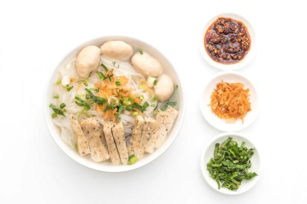 Вьетнамская лапша (фо)