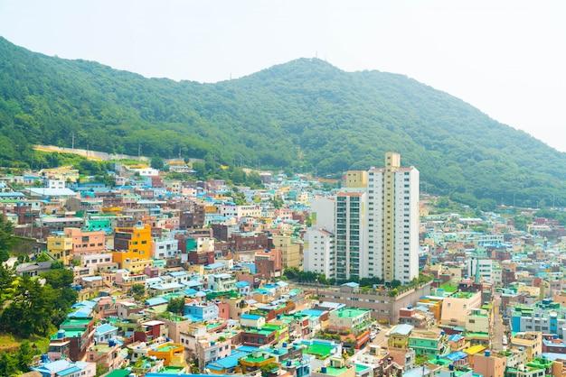 釜山の甘川文化村の美しい建築物
