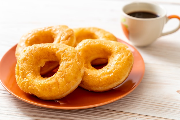 ブラックコーヒーとドーナツ
