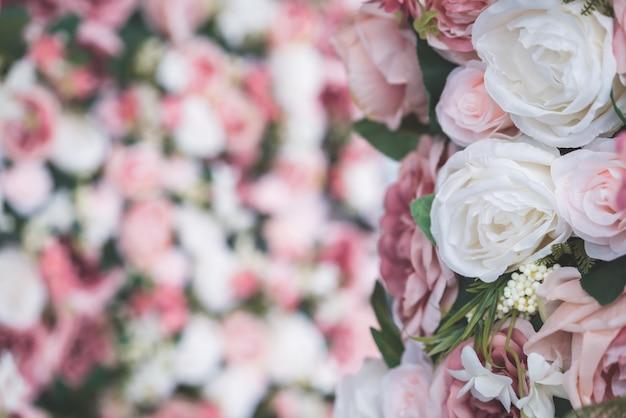 背景のコピースペースと美しい花束の花