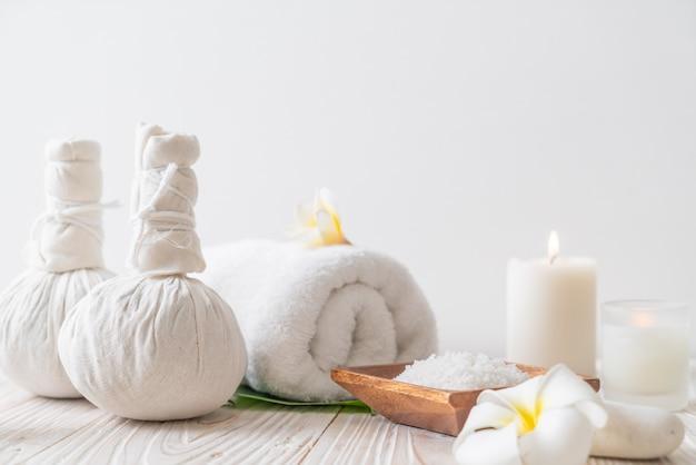 Спа травяной компрессионный шарик со свечой и орхидеей