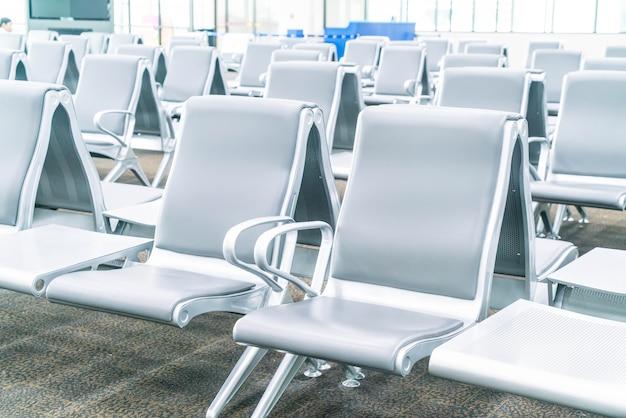 Пустое место ожидания терминала аэропорта