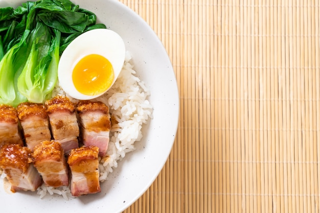 シャキッとした豚バラ肉のトッピング