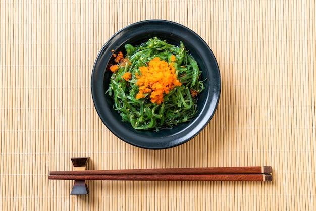 海老の卵の海藻サラダ-和風