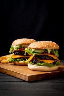 新鮮なおいしいハンバーガー
