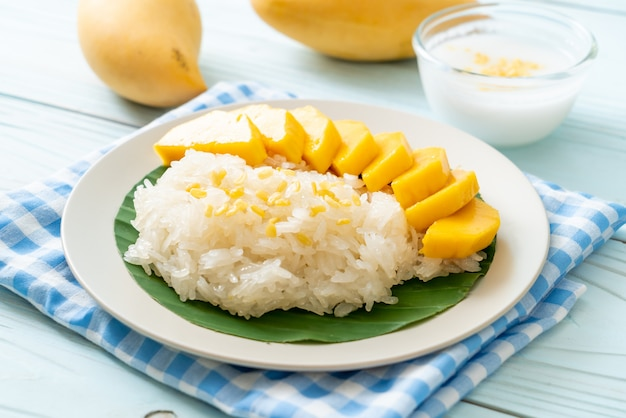 Манго с клейким рисом