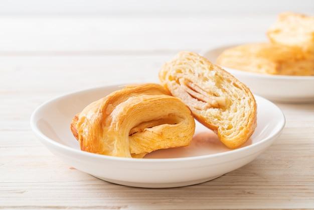 自家製ハムチーズクロワッサン