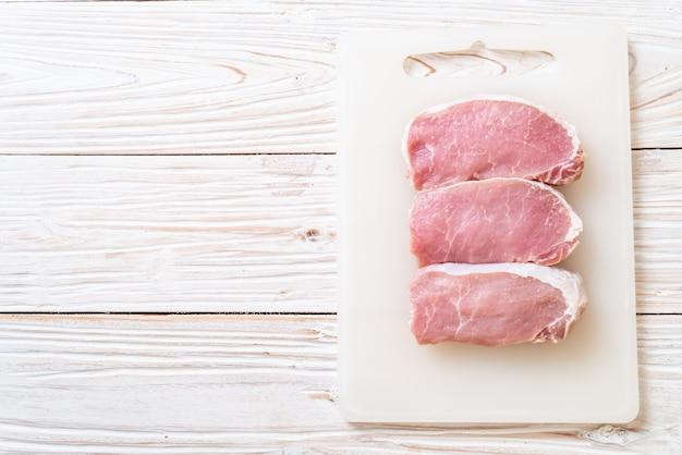 Свежая свинина сырая