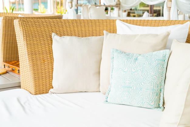 Удобная подушка на стул патио