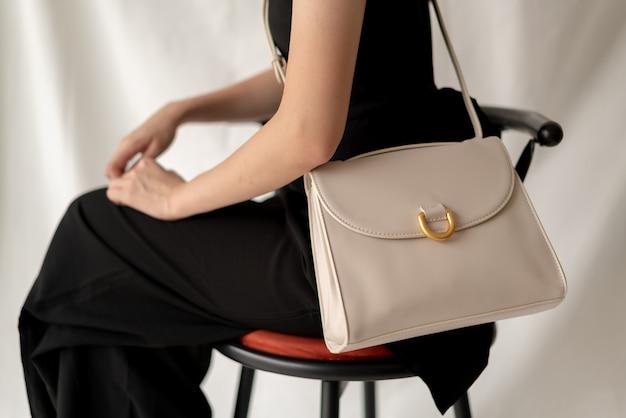女性革ファッションバッグ