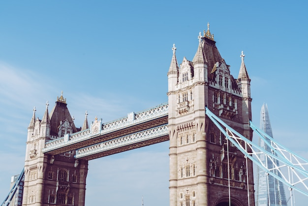 ロンドンのタワーブリッジ