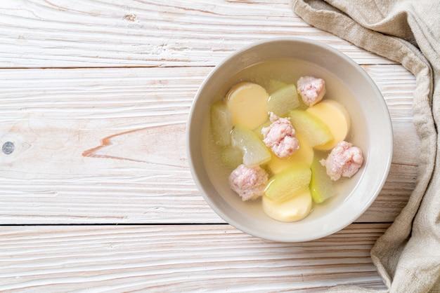 豚ひき肉と卵豆腐の冬メロンスープ