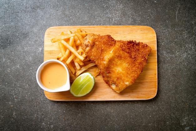 Жареная рыба и чипсы