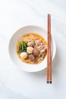 ポーク麺の煮込みボウル