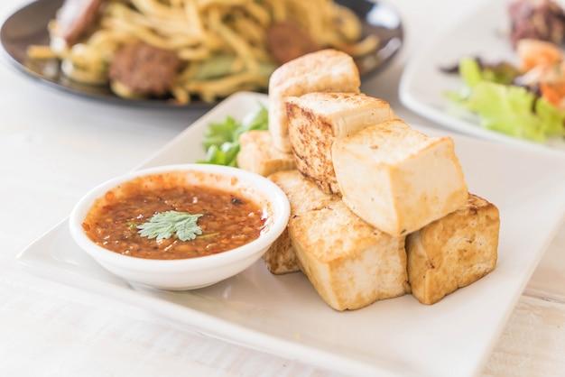 Жареный тофу - здоровая пища