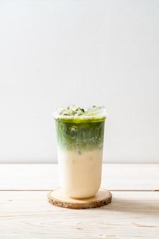 Зеленый чай со льдом маття латте