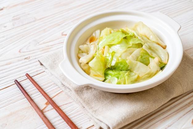 Жареная капуста с рыбным соусом
