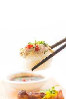 Пряные тунцовые суши