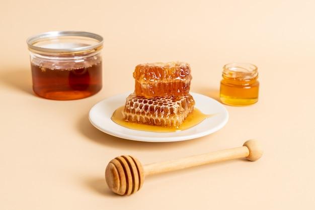 蜂蜜と新鮮なハニカム