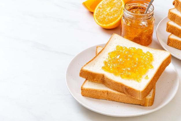 オレンジジャムとパンのスライス