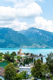 スイスのシュピーツ城