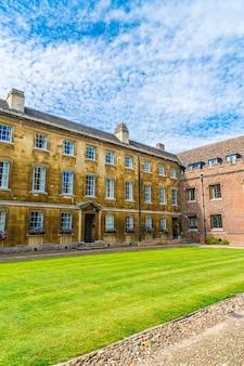 Красивая архитектура сент-джонс колледж в кембридже