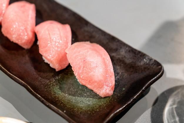 Суши из тунца или суши оторо
