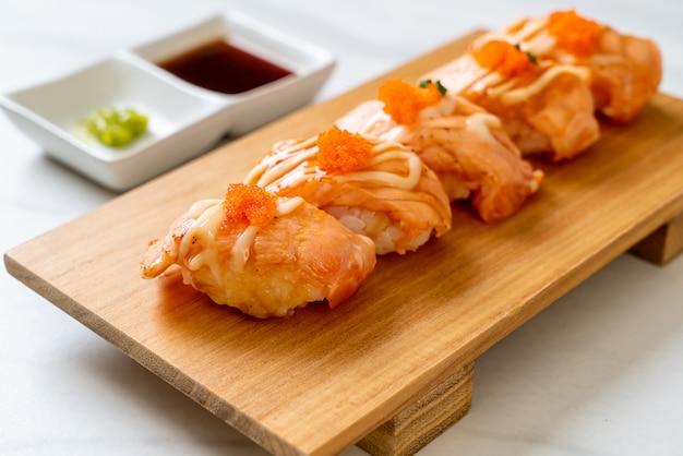 サーモン焼き寿司