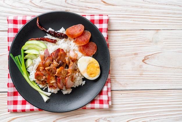 トッピングご飯に赤豚のソース焼き