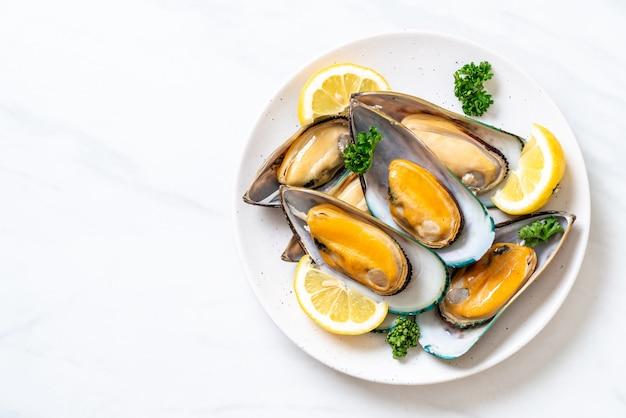 ムール貝のレモンとパセリ